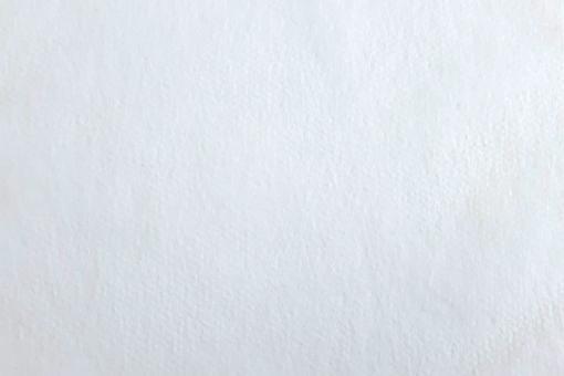 Feines Vlies als Membran für Mundschutzmasken in Weiß